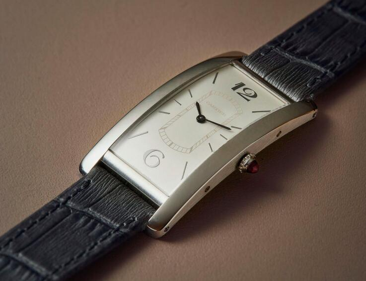 The integrated design of this timepiece is very noble and elegant.