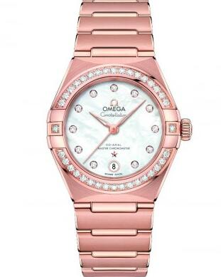 The mother-of-pearl dial and diamonds are the element that attract women.