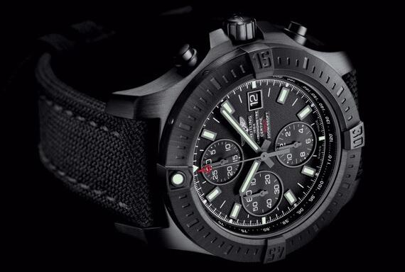 The all-black designed Breitling is a good choice for strong men.
