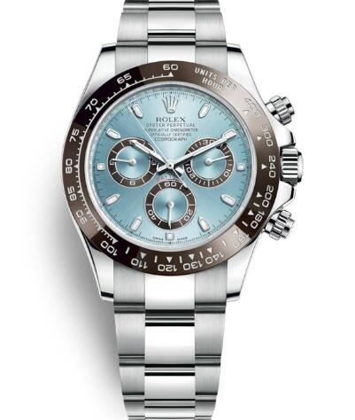 The ice blue dial makes the timepiece very pure and fresh.