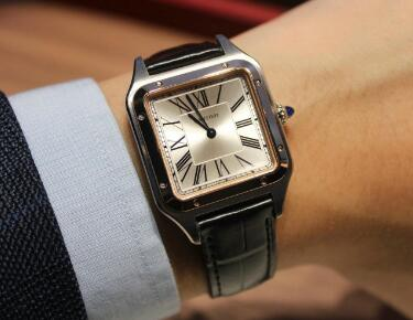 Santos de Cartier is suitable for gentlemen.