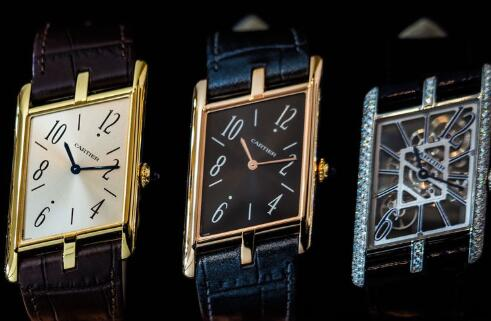 The best fake Cartier is with special slant case.