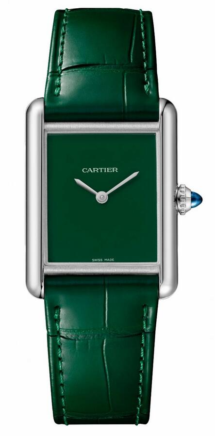 AAA knock-off watches are matched with green dials and green leather straps.